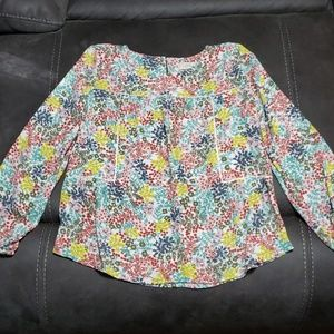 Lightweight flowing top with flower print